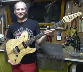 Philippe Bouyou, luthier
